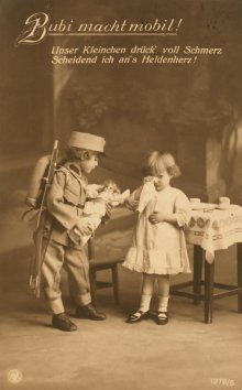 """Bubi macht mobil"", aus Postkartenalbum ""Kriegserinnerungen 1914-15"""