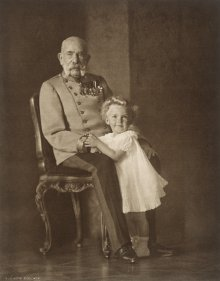 Hermann Kosel: Emperor Franz Joseph with his great-great-nephew Archduke Otto, photograph