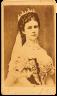 Elisabeth im ungarischen Krönungskleid, Fotografie, um 1867