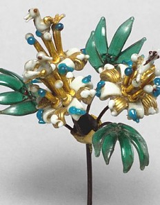 Innsbruck Court Glassworks: Bouquet of flowers, 1570/90