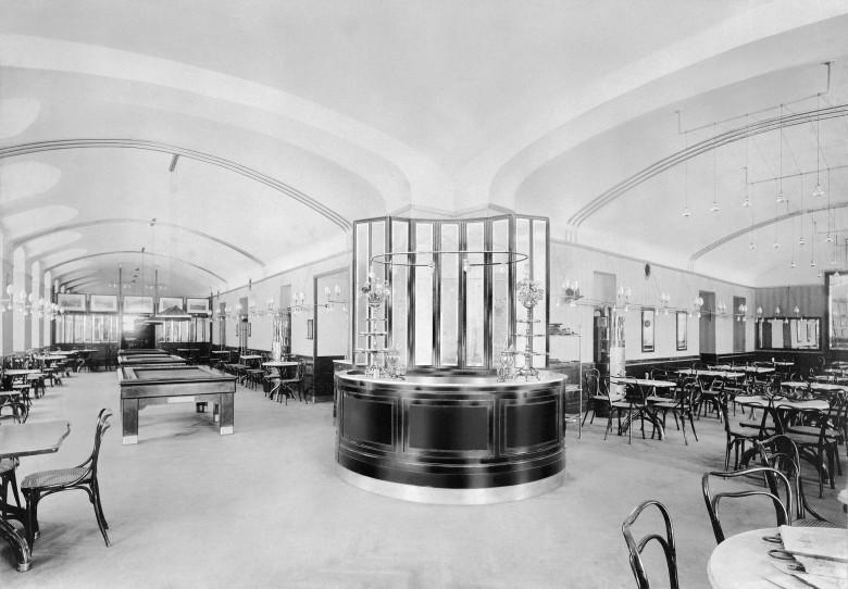 """Café Museum"", Innenansicht, Fotografie"