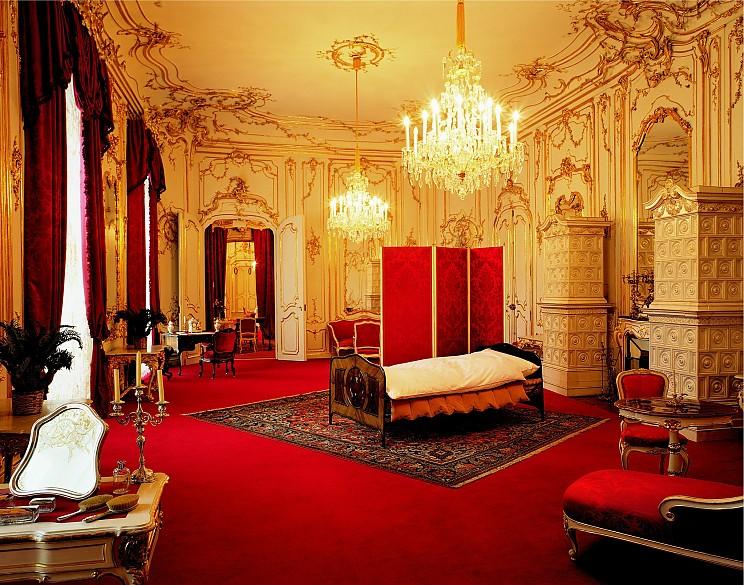 Elisabeth's drawing room-cum-bedroom in the Vienna Hofburg