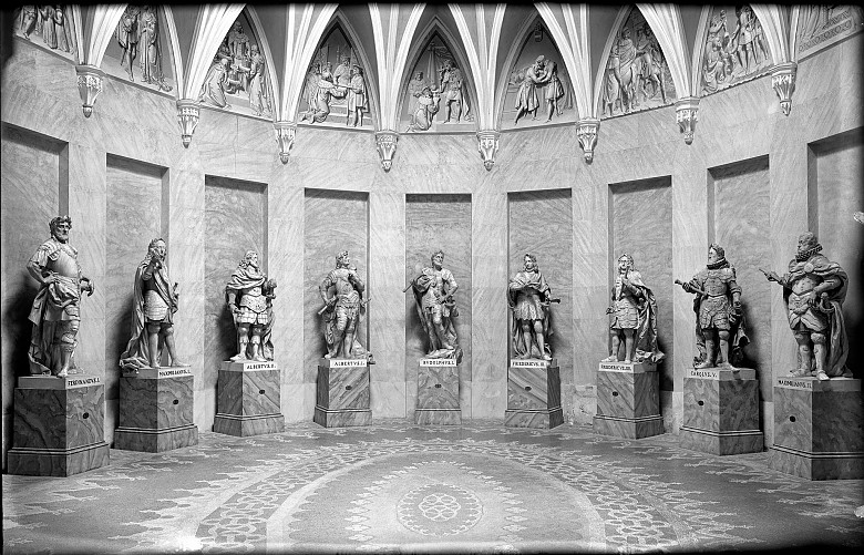 The Habsburg Room at the Franzensburg, photograph, 20th century
