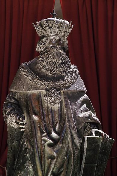 Hofkirche Innsbruck: Bronzestatue
