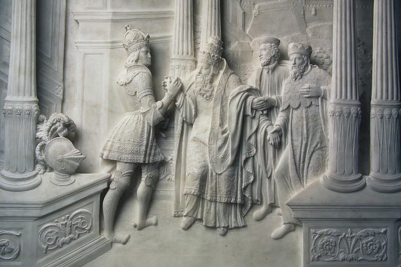 Innsbruck Court Church: Cenotaph, detail of a marble relief