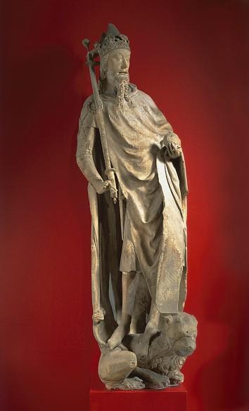 Kaiser Karl IV., Kunstharzabguss der Statue vom Südturm der Stephanskirche (Original um 1360/1365)