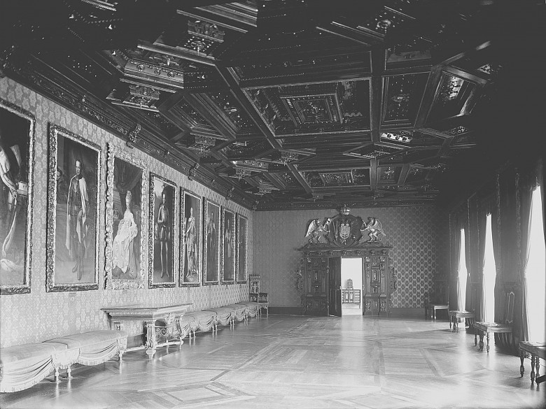 The Lorraine Room at the Franzensburg, photograph, 20th century