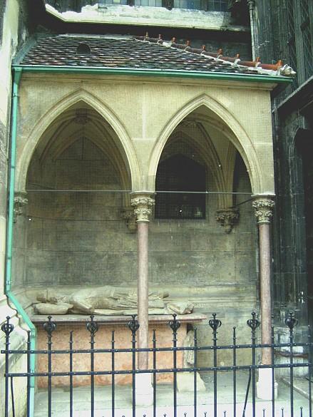 Neidhart-Grab an der Südseite des Wiener Stephansdoms