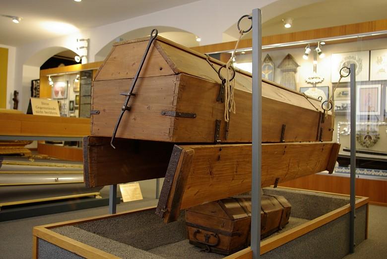 The Josephinian 'economy coffin'