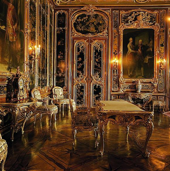 The Vieux Laque Room at Schönbrunn Palace