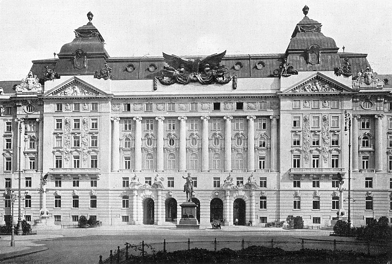 The Imperial and Royal Ministry of War on Vienna's Stubenring, photograph, c. 1908