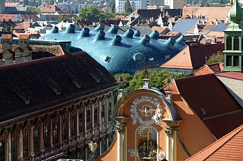 View over the historic city to the Kunsthaus