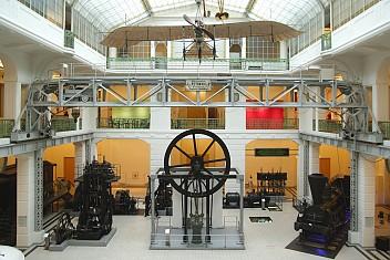 Mittelhalle Technisches Museum Wien